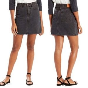 Levi Washed Black Raw Hem Denim Mini Skirt 32